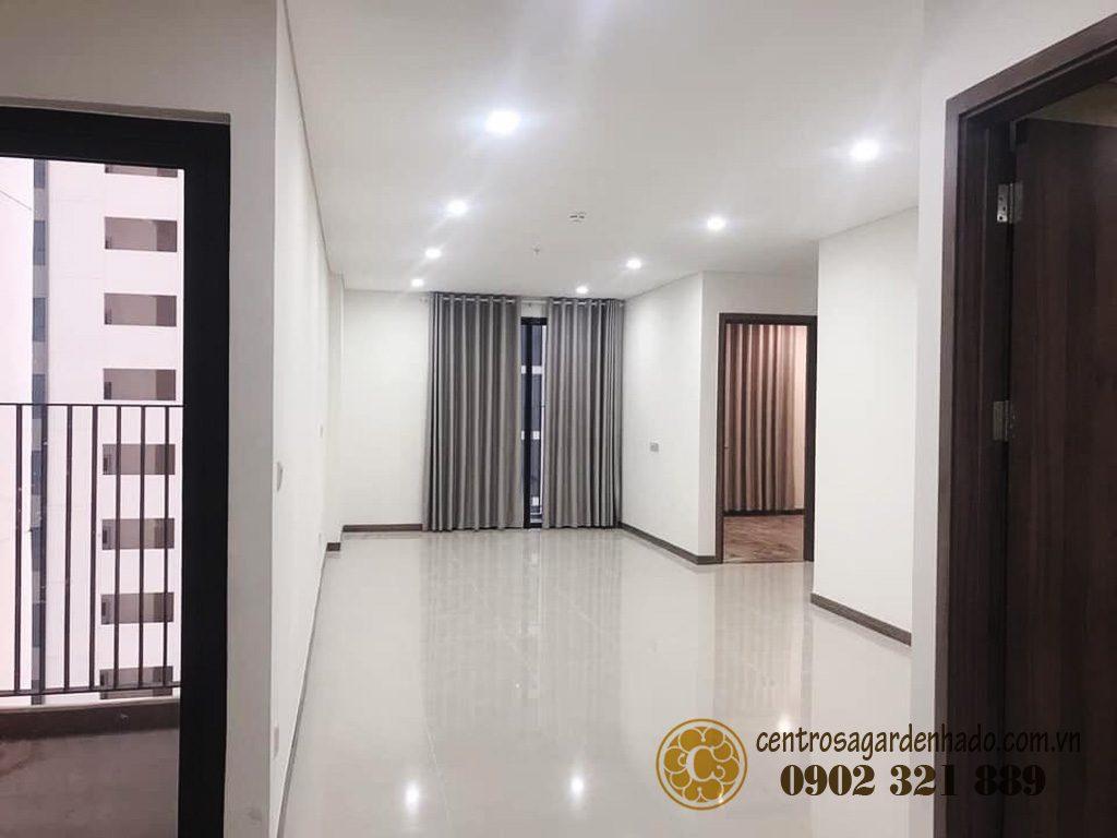 Phòng khách căn hộ Hado Centrosa Garden cho thuê.
